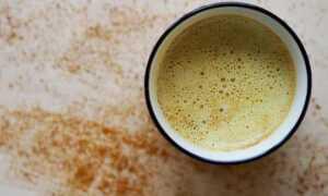 Как пить воду с куркумой по утрам натощак